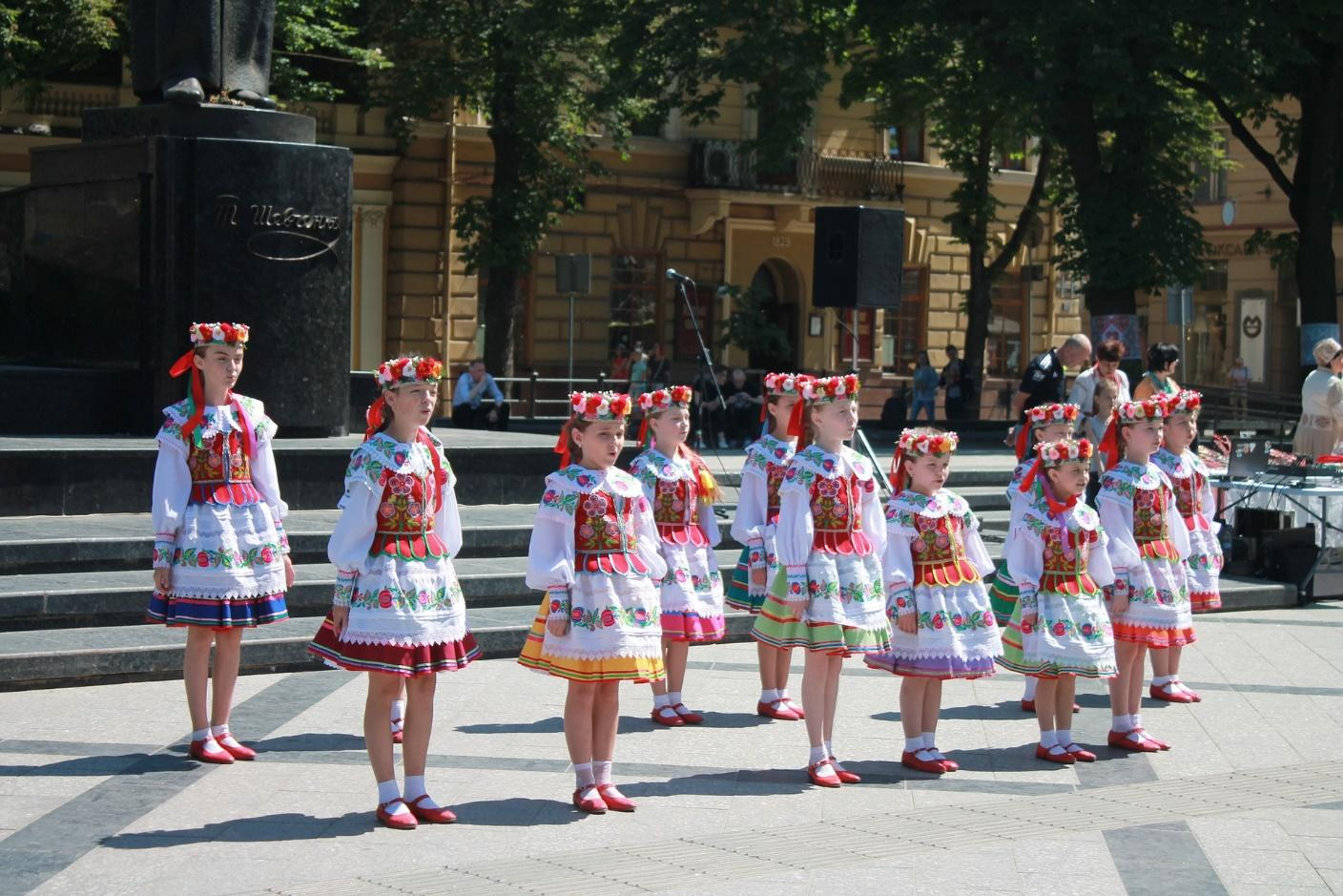 Look for the many different Ukrainian dance troupes performing at UFest. | Edmonton UFest | Stawnichy's